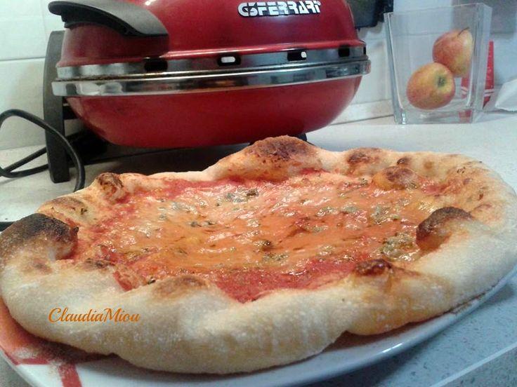 Impasto base per pizza....a casa nostra la pizza si mangia almeno 1 volta alla settimana , ci piace croccante ma sottile sottile questa ci piace molto.....