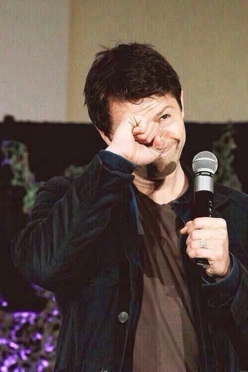Sue #JiB6 @catsandcrayola  ·  Oct 24 You know what is really fricking adorable? This thing @mishacollins does