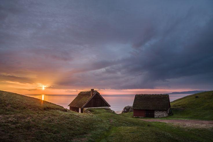 Sunrise by the sea in Haväng, Skåne. © Anders Tuckler