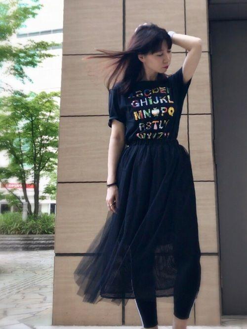 UNIQLOで買いました☺️ WEAR友のしょいらすさんデザインの 任天堂Tシャツ。 レディースMで