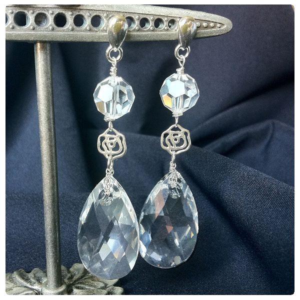 Fülbevaló inspiráció #Swarovski KÖRTE medálból és #5000 gyöngyből #Crystal színben.