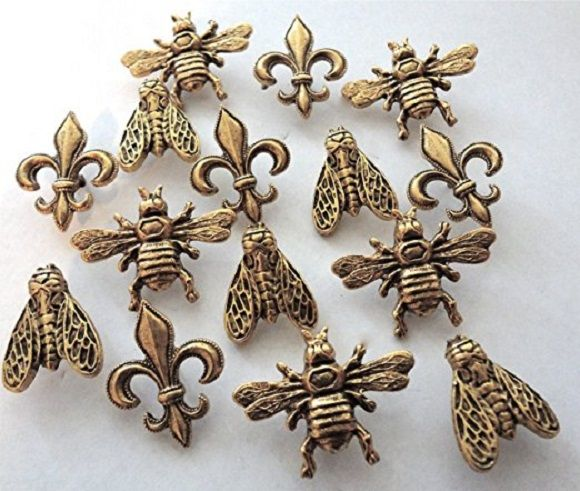 """BEES AND FLEURS PUSH PINS 15PC SET 3 ASSORTED STYLES WING SPREAD BEE, FLEUR DE LIS AND CLOSE WING BEE MAKES A GREAT GIFT FOR HOME OR OFFICE BULLETIN BOARDS , AND GREAT FOR HOME DECORATING MADE IN THE USA OF LEAD FREE METAL AND ELECTROPLATED EACH PC IS APPROX 1"""" IN SIZE THIS SET SHIPS IN A REUSABLE CONTAINER"""