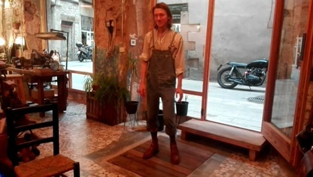 """This is how """"tap dancers"""" wear our boots!!! Visit the shop in Barcelona: calle Mercaders, 11 (in El Born) open from 14h-21h. Contact us on: +34 603199498/931793108. info@urbanshepherdsboots.com  www.urbanshepherdsboots.com  #urbanshepherds #leather #leathergoods #boots #traditional #style #caferacer #ecofriendly #handmade #fashion #craftsman #shoemaker #bootmaker"""