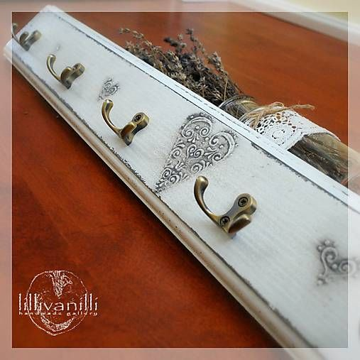 lillivanilli / Vešiak na stenu