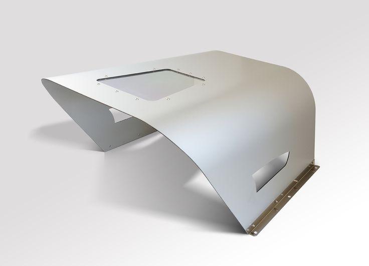 Automower / Rasenmäher Roboter Robotic lawn mower  Tondeuse Robot  Garage www.idea-mower.eu Le ottime proprietà dei materiali danno corpo all'ispirazione e rendono la soluzione innovativa ed estremamente resistente a urti e intemperie. Neo Garage viene prodotto mediante un rivestimento esterno in alluminio composito con un oblo superiore in materiale trasparente per permettere la programmazione dei robot tagliaerba. www.idea-mower.eu