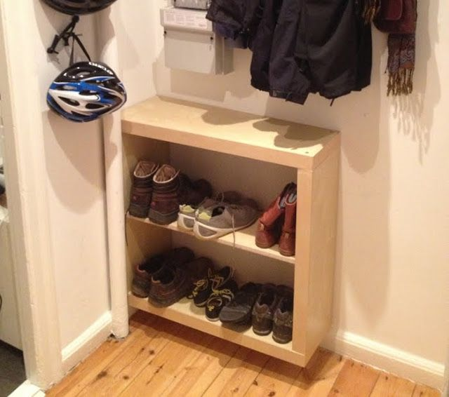Materials: Expedit 2x2 shelving unitDescription: Ever thought that the Expedit series took a bit too much space