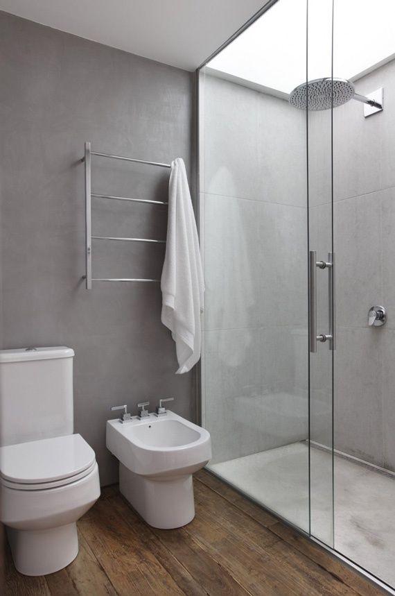 piso de madeira no banheiro, super aconchegante, não?