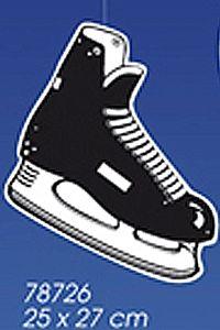 Hangdecoratie ijshockey schaats. Leuke decoratie schaats om uw winterfeest optimaal mee te versieren. Natuurlijk ook als apres ski versiering te gebruiken. Formaat: 25 x 27 cm. Deze schaats slinger is brandvertragend.