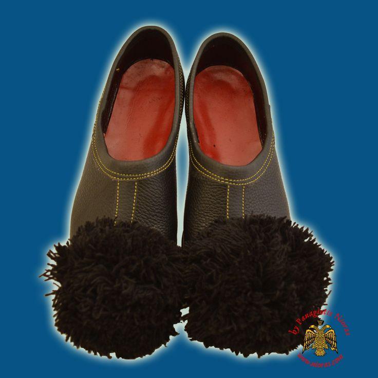 Tsarouhia Karaguna Female Greek Tradional Style Shoes Black Leather