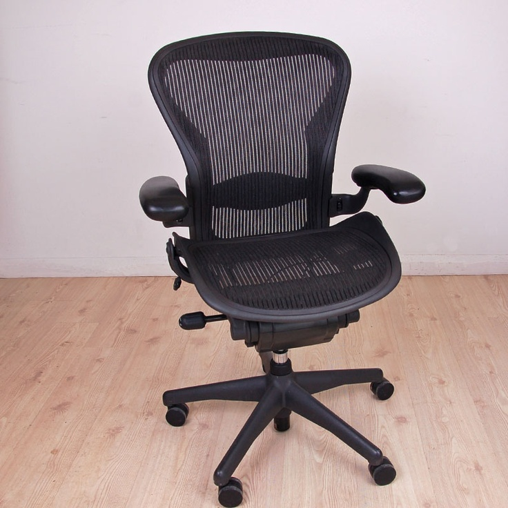 We Cant Help But Continue To Love This Herman Miller Aeron Chair Thanks Used Office
