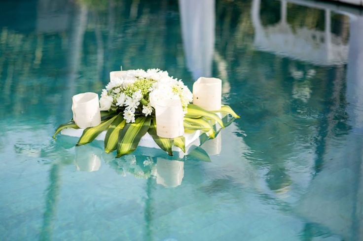 Floating flowers will surely add natural bliss to your wedding decoration.🍃🌼🍃 Contact us a for a stress-free wedding planning experience. - grazyna@balihappyevents.com (Europe) - arsih@balihappyevents.com (Asia) - michelle@balihappyevents.com (Australia)