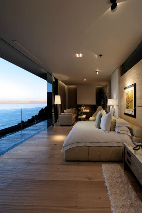 Grande baie vitrée pour profiter de la vue sur la mer http://www.homelisty.com/idees-baie-vitree/