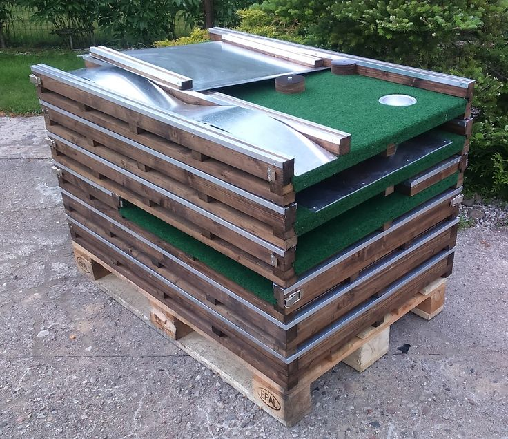 Office mini golf 9-in-1 stacked on EUR pallet. Price 1150 eur or 1050 eur + shipping.