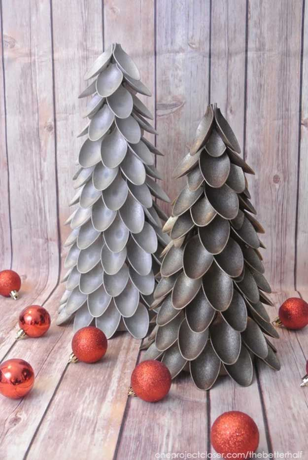 Plastic Spoon Christmas Tree | 12 Totally Unique DIY Christmas Decorations, see more at http://diyready.com/12-totally-unique-diy-christmas-decorations