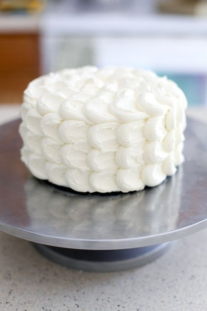 cloud cake tutorial. It's the perfect cake style for a wedding!