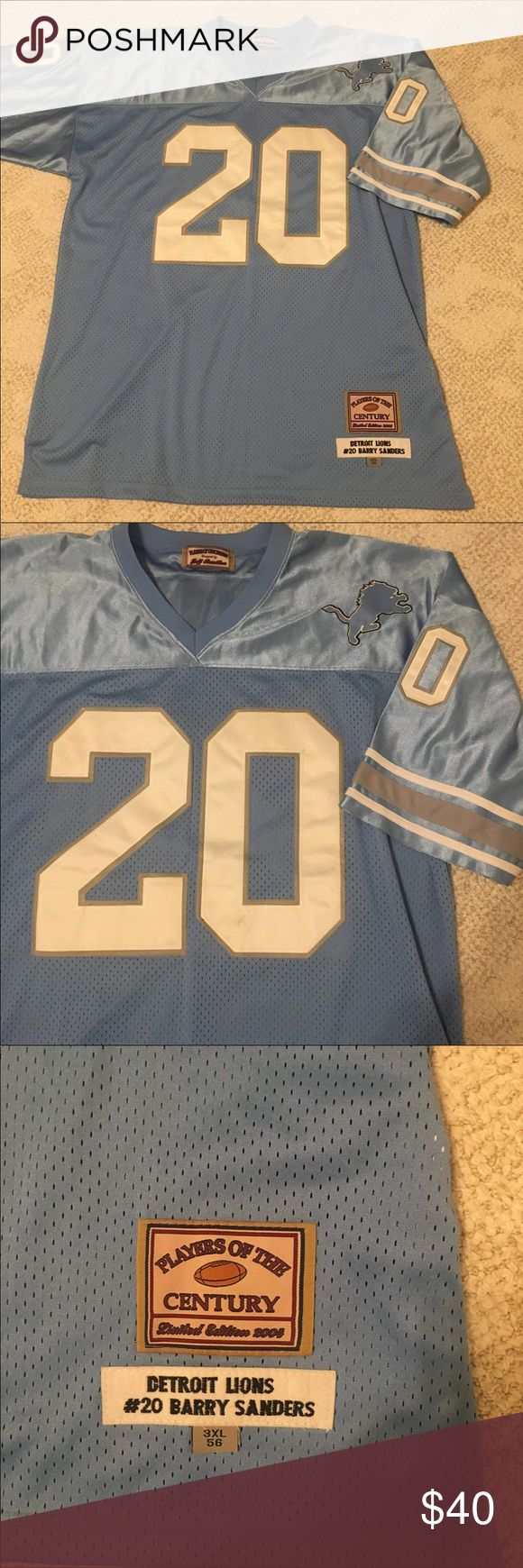 """❗️Lions Jersey❗️ Detroit Lions Barry Sanders throwback jersey in gently used condition, please note very minor marks on the """"20"""" on front. This is a size 3XL. Shirts Tees - Short Sleeve"""