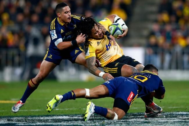 Ma'a Nonu of the Hurricanes tackled by players of Highlanders, in Super Rugby 2015 Final, saturday july 04, 2015
