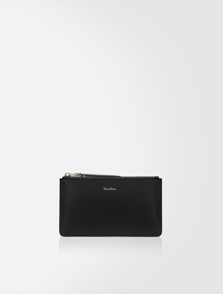 Max Mara PANIERE black: Leather clutch bag. Find your outfit on the Official Max Mara Website and discover all that is new in ready-to-wear.