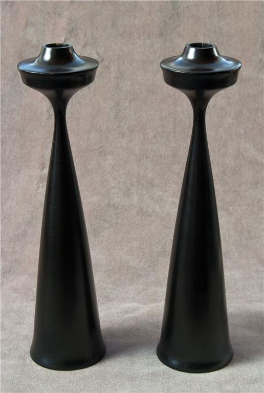 Snygga svarta ljusstakar i trä, retro, 50-tal