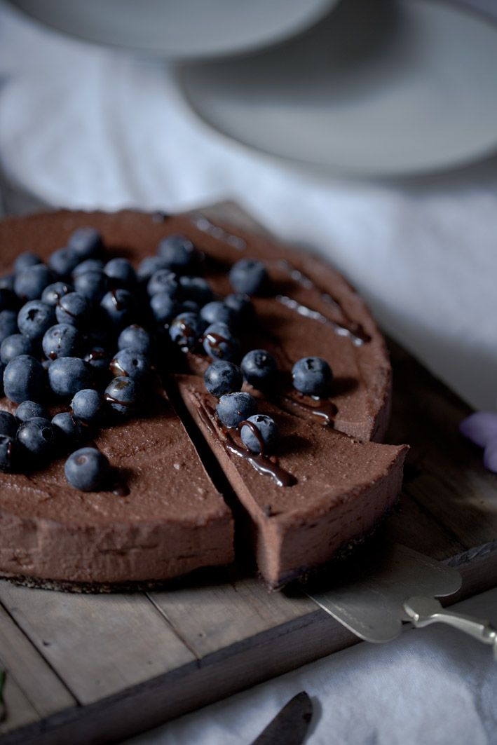 Raw Chocolate Cheesecake (gluten free, vegan)