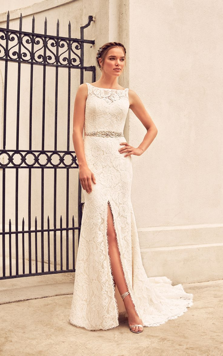 Want a wedding day look that is glamorous, but still comfy? Here's how.