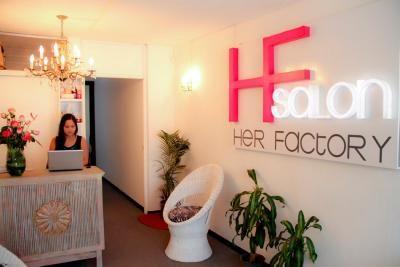 Volantes de publicidad salon de belleza buscar con for Administrar un salon de belleza