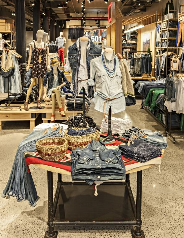 Rustic Rivets: Levi's melds old and new in SoHo   Visual Merchandising and Store Design