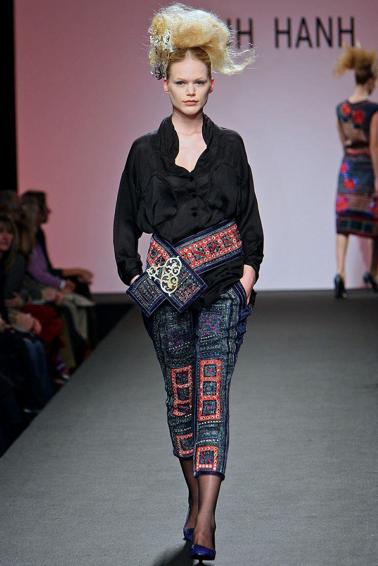 Minh Hanh.Alta Moda Haute Couture SS2009. Source: http://www.vogue.it/en/shows/show/ss-2009-haute-couture/minh-hanh