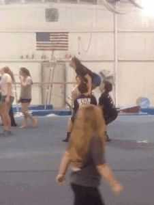 I want to be able to do this basket toss soo badly!!!!!