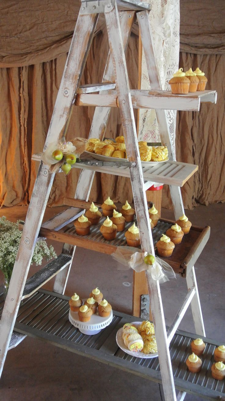 cup cake ladder and drapes!