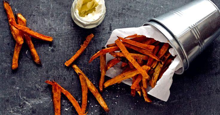 Knusprige Süßkartoffelpommes - ganz ohne Friteuse? So gehts!