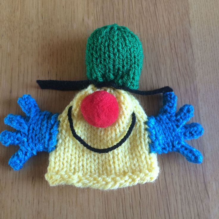 Knitting Patterns For Innocent Smoothie Hats : 3095 best images about Holidays n Parties Kids on Pinterest Finger pup...