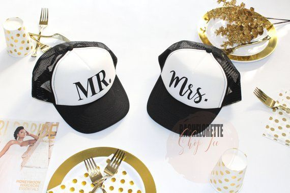 Mr and Mrs Hats, Couples gift, Couples Goals, Engagement gift, Gift for her, Gift for him, Valentine's Day, Thanks Givving, Halloween, S324