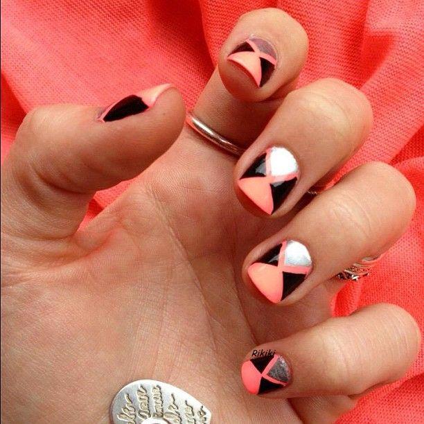 Peach and black nail art, spring nail art , business appropriate nail art
