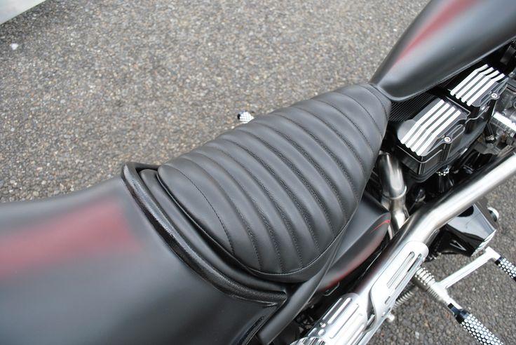 Tuck'n Roll seat   by   BACK DROP