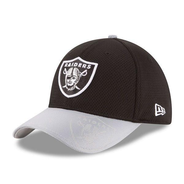 e7e53bc6440 Men s Oakland Raiders New Era Black Sideline Official 39THIRTY Flex Hat
