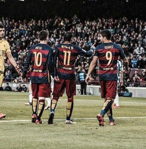Niesamowity rekord Blaugrany • FC Barcelona strzeliła aż 180 goli w 2015 roku • Z czego tercet MSN strzelił 137 goli • Zobacz >> #fcbarcelona #barca #barcelona #football #soccer #sports #pilkanozna