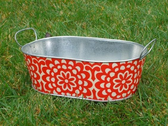 22 best decoupage idea use of tin can planters for home for Tin tub planters