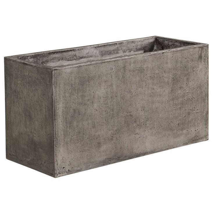 Al Fresco planter är en planteringslåda i lättbetong från Artwood. Möbeln består enbart av naturmaterial såsom granitstenpulver, cement, naturliga jutefibrer och vatten. Al Fresco har 2 hål i botten för avrinning, det följer även med gummiproppar för tätning av dessa. Eftersom betong är ett poröst material har produkten blivit behandlad med vax för att få …