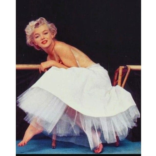 Marilyn By Milton Greene In Ballerina Sitting Milton Greene Marilyn Greene