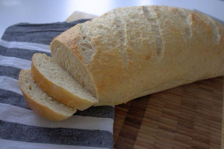 Prøvat bage dette lækre koldhævet brød med kærnemælk. Det smager skønt, og dejen gøres klar dagen før.