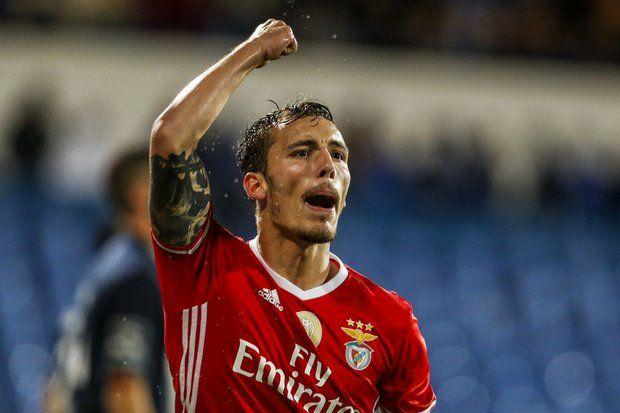 Rui Vitória assumiu que Grimaldo não vai jogar no clássico com o FC Porto, este domingo no estádio do Dragão. O técnico assumiu a ausência por lesão. «Podí