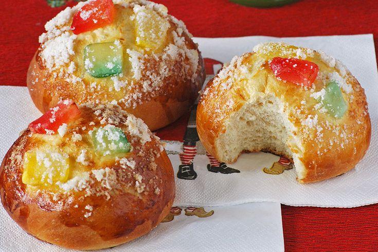 Te explicamos paso a paso, de manera sencilla, la elaboración del postre bollos de Roscón de Reyes. Ingredientes, tiempo de elaboración