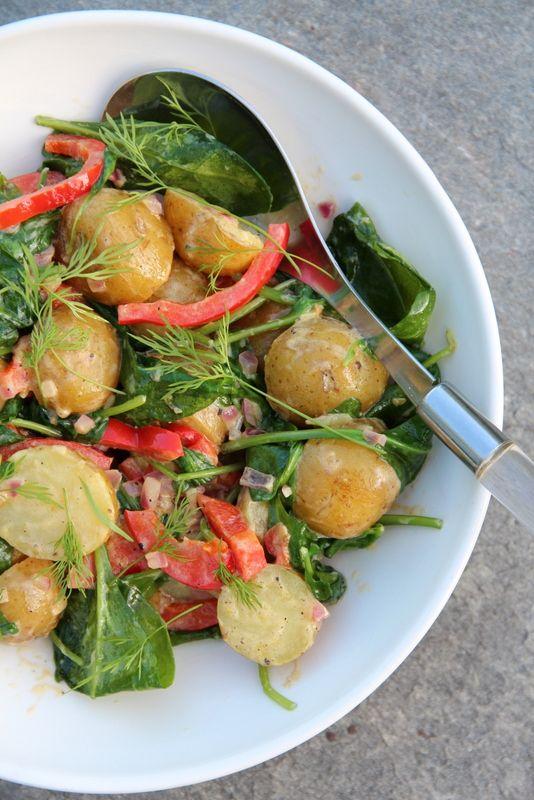 Potetsalat med spinat og paprika