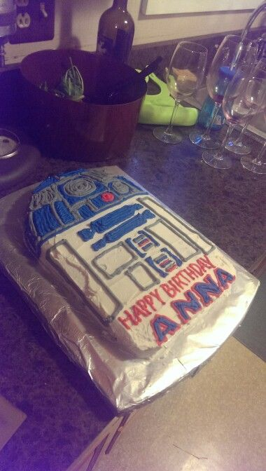 Star Wars cake, R2D2, simple, easy, homemade. Bad picture but delicious cake! Freehanded in buttercream icing.