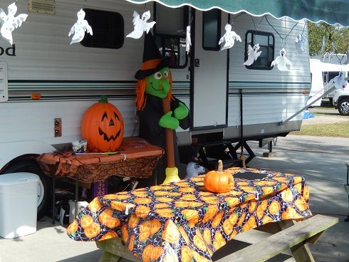 ocean lakes family campground myrtle beach sc halloween celebration decorations by campers - Where Does The Halloween Celebration Come From
