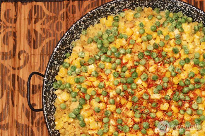 Csirkés paella borsóval és kukoricával - MINDENMENTES