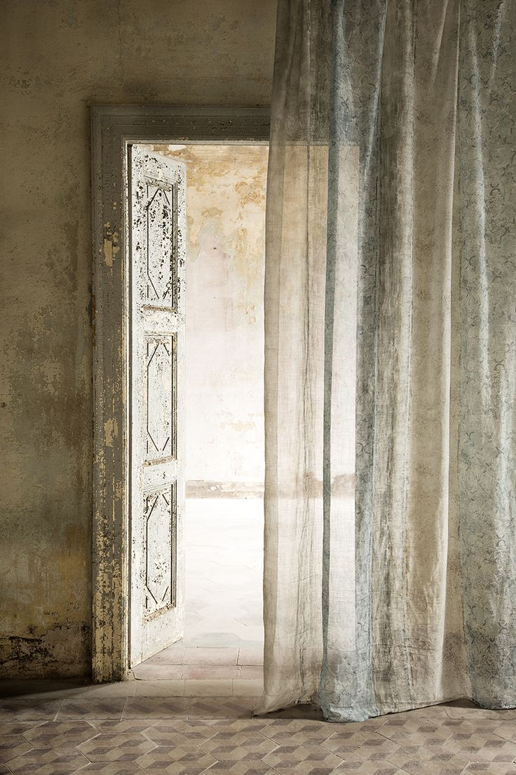 Christian Fischbacher, Collezione Italia, AFFRESCO. Linen drapes at their best.