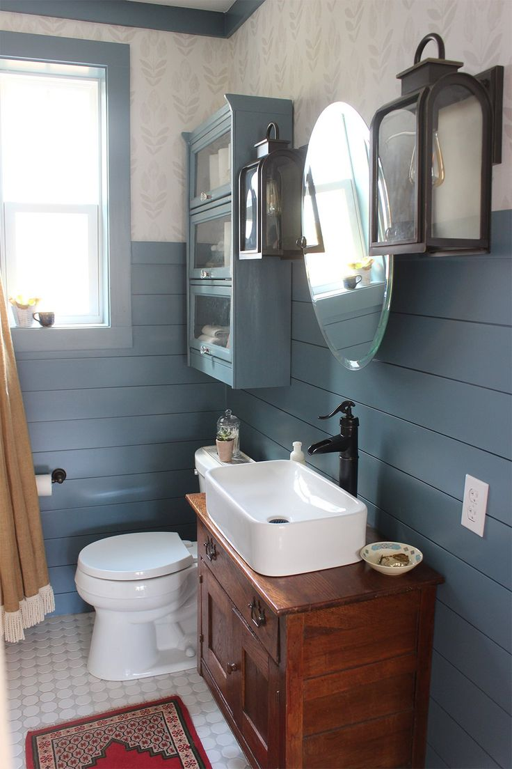 The White Buffalo Styling Co transforms this bathroom into a contemporary country bath.
