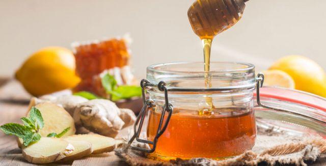 Stačí, když doma budete mít zázvor, kurkumu, skořici, med a kokosový olej. Čaj z těchto ingrediencí je…